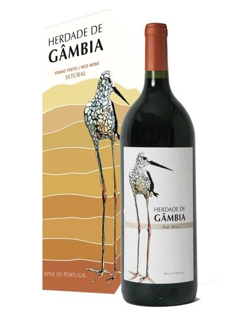 Garcias - Vinhos e Bebidas Espirituosas - VINHO HERDADE DA GAMBIA TINTO 2019 C/CX.CARTÃO 1,5 L  1