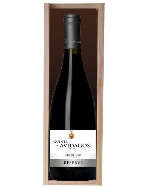 Garcias - Vinhos e Bebidas Espirituosas - VINHO QUINTA AVIDAGOS DOURO RESERVA TINTO 2017 C/CX MAD 1.5L 1